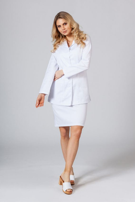 fartuchy-medyczne-damskie Krátká zdravotnická zástěra s dlouhým rukávem (zakryté cvoky) bílá