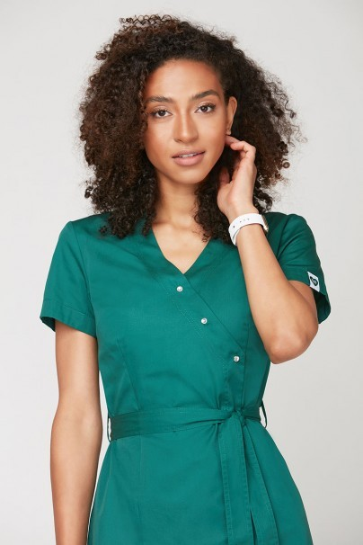 bluzy-2 Zdravotnícka zástera na zapínanie Emma zelená